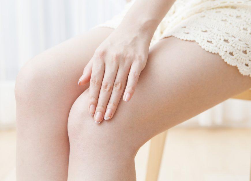 膝が黒くて恥ずかしい!肌の黒ずみをケアしたいなら重曹が役立つかも